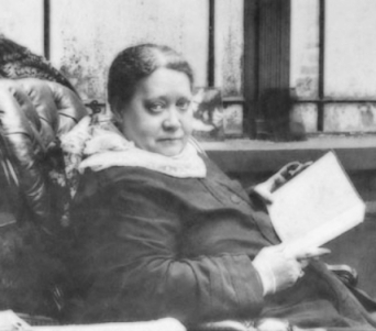 Madame Blavatsky reading in London